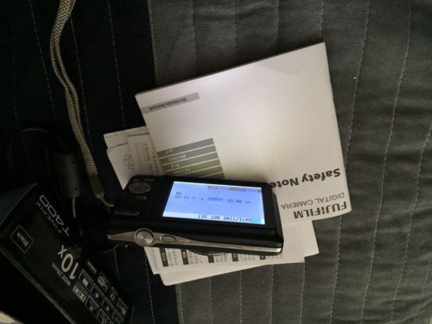 Aparat foto digital Fujifilm finepix T400 16MP black