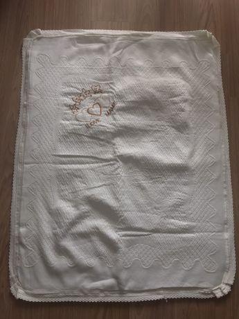 Дебела бяла бебешка завивка