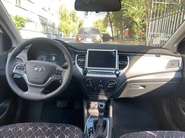 Продается автомобиль Хюндай Акцент 2021 года.