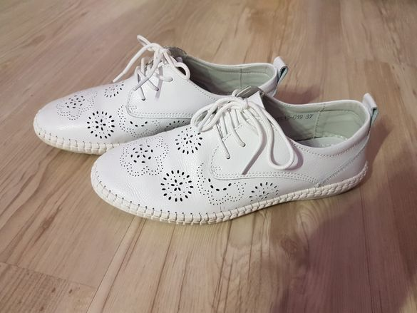 Обувки естествена кожа номер 37