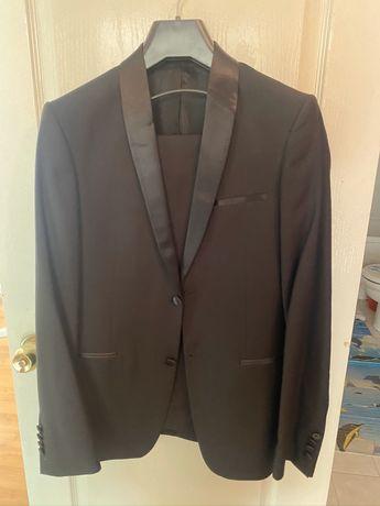 Смокинг костюм на свадьбу