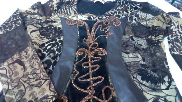 Стилна блузка гарнирана с кожа