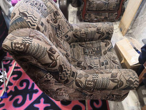 Продам два кресла