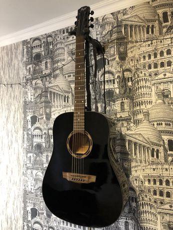 Акустическая гитара Flight с уплотненным чехлом и каподастром.