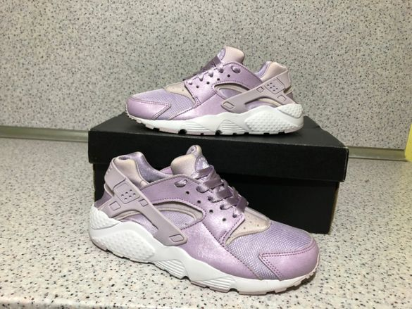 ОРИГИНАЛНИ *** Nike Air Huarache Run SE / Violet Mist White