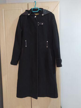 Продам бу пальто в нормальном состоянии