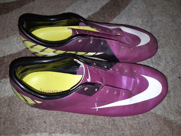 Adidasi fotbal Nike - Oferta !
