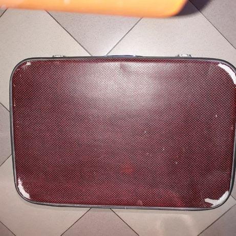 Ретро куфар състояние видно от снимките
