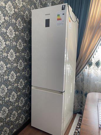 Продается холодильник Samsung (Новый)