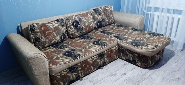 Продам диван  в хорошем состоянии.  Торг уместен