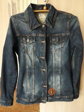 Продам женскую джинсовую куртку