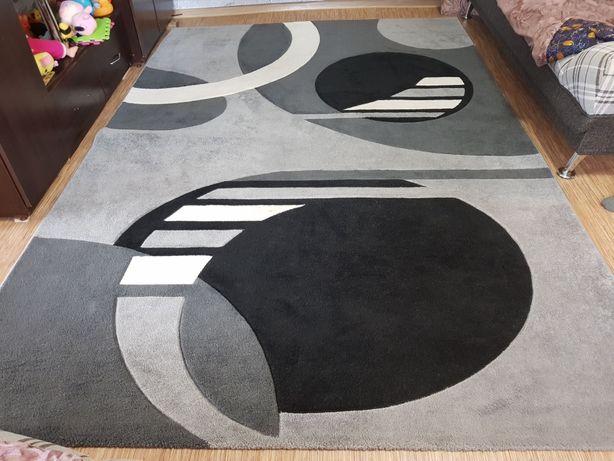 Продам ковёр с толстым ворсом