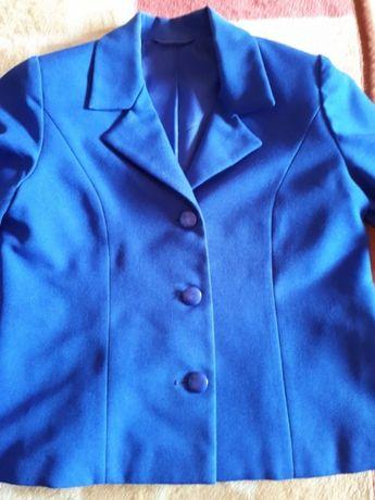 Продам школьную форму для девочек пиджак с жакетом,юбка сарафан