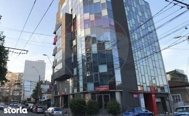 Spațiu comercial - Parter - Cladire birouri - Bdul Dacia-Mosilor