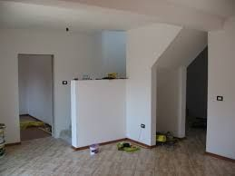 echipa case apartamente zugravi faiantari electricieni rigipsari