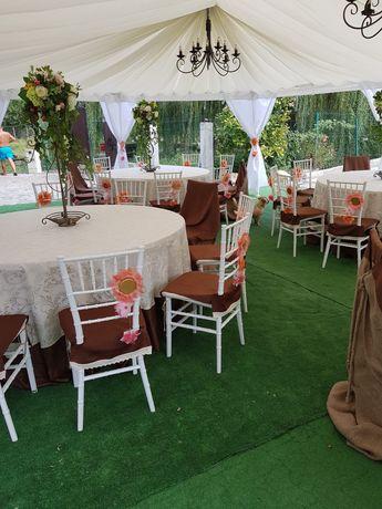 Inchiriez scaune evenimente,chiavari albe ,napoleon transparente,mese