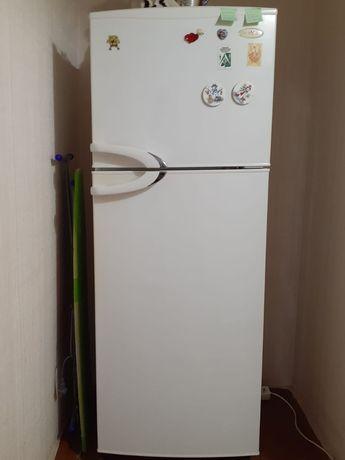 Продам холодильник 45000 тнг
