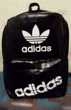 """Рюкзак новый в упаковке """"Адидас"""" хорошего качества."""