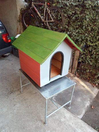 Къщичка за куче с размери 65 - 55 см.