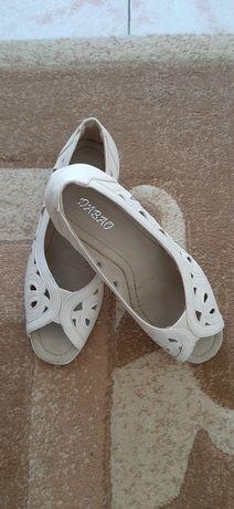 Обувки пролетно летни