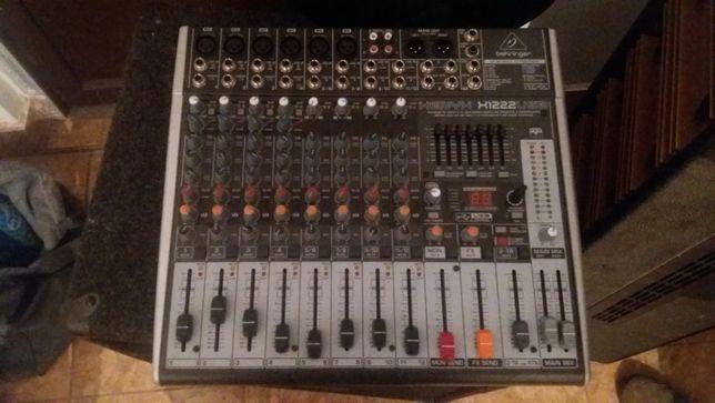 Mixer Behringer H1222 si amplificator Behringer 2000 W