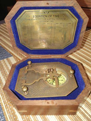 Busola si cadran pentru calculat ora