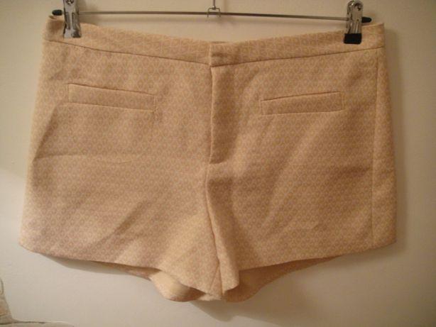 Pantaloni scurti Axel,marimea XL,merg L,ca noi,35 lei/bucata.