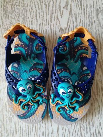 Чисто НОВИ Бебешки сандали