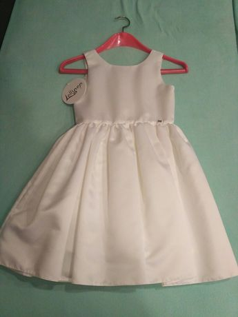 рокля бяла чисто нова