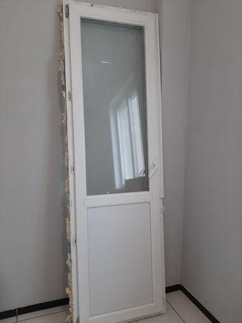 Балконная дверь-отдам даром