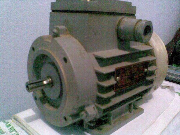 Motor pompa apa mad rusia