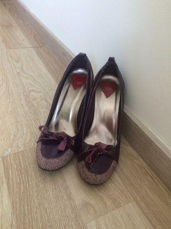 Pantofi cu toc mov