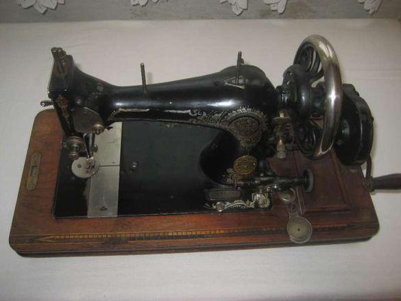 Продавам стара немска шевна машина Gritzner Durlach антика