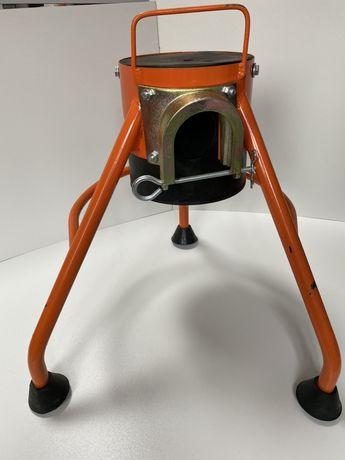 Cavalet , trepied pompa de sapa