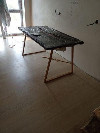 Продам стол новый