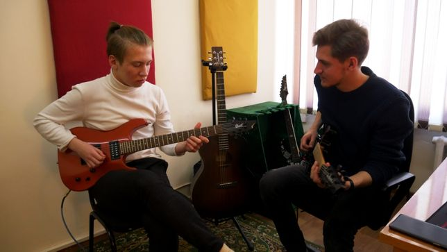 Обучение игре на гитаре   курсы гитары   уроки гитары   школа гитары