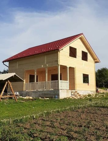 Construiesc case din lemn