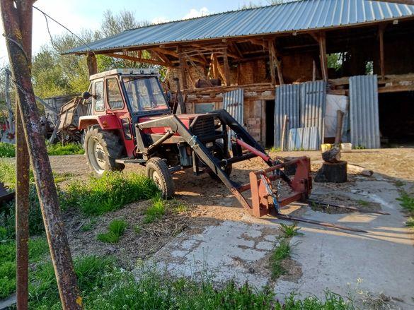 Продавам 3 трактора,инвентар,вана за мляко 600 лт и ярмомелка с циклон