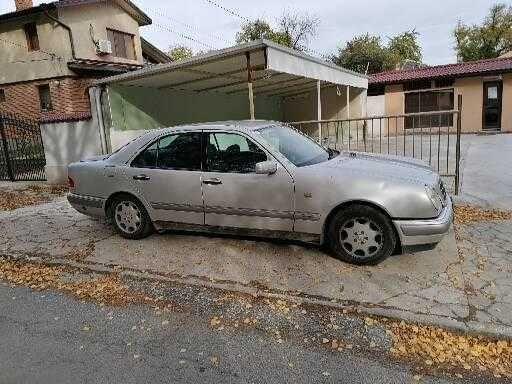 Mercedes E230  бензин