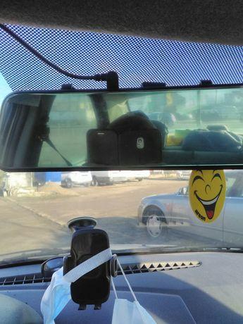 Camera auto frontala si spate