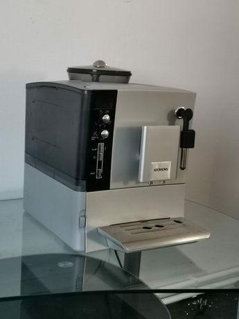 Siemens EQ 5 Macchiato Aparat de cafea cu boabe Espressor