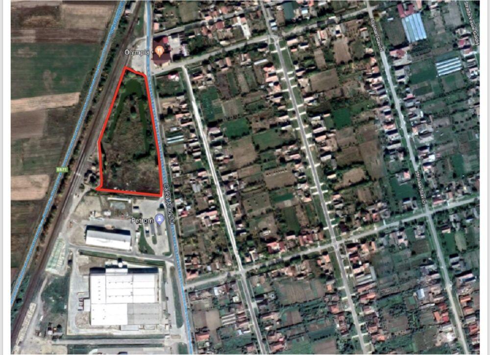 Vând teren intravilan(21080.00mp) în Nădab(Chișineu Criș)