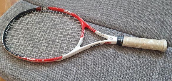 Три броя тенис ракети
