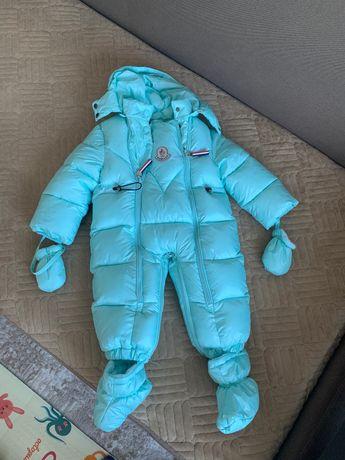 Продам детский зимний комбинезон отличного качества