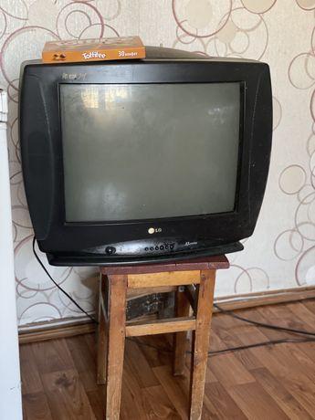 Сдам телевизор на запчасти