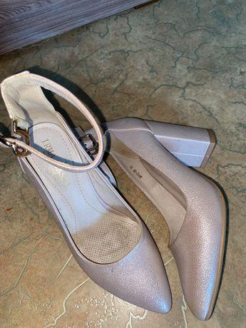 Продам туфли 33 размера
