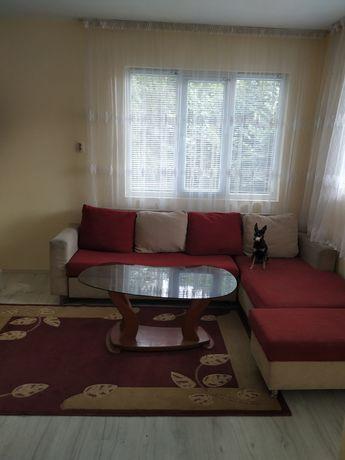 Продавам втори етаж от къща
