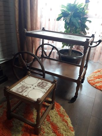 Gheridon antic cu scăunel antic