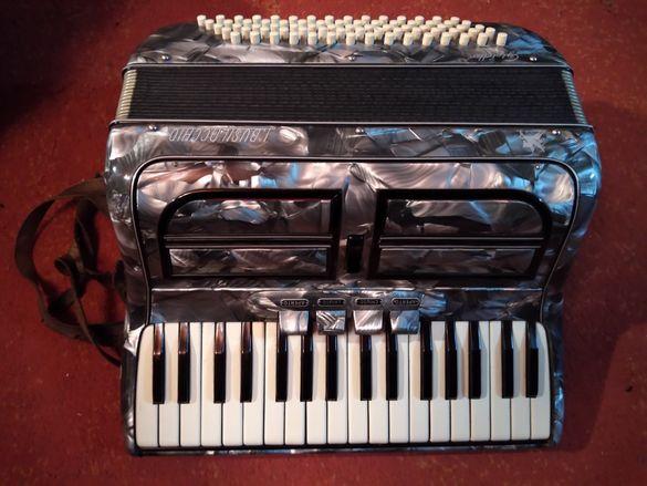 Рядък Италиански акордеон 75 баса.