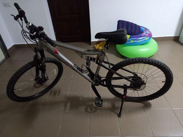 Bicicleta MTB Full Suspension